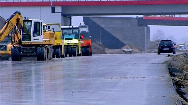 Kontrowersje wokół budowy autostrady A2 TVN24