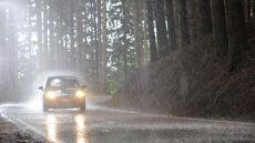 Mokra niedziela na drogach Polski wschodniej i północnej