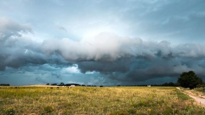 W weekend lokalnie możliwe są burze. Prognoza zagrożeń IMGW
